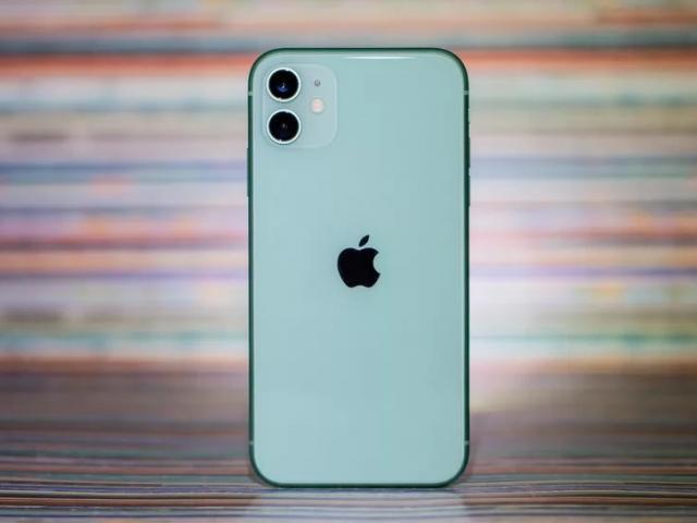 iPhone 11 lock liệu có đáng mua khi giá chỉ bằng... iPhone 7?