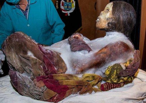 Cô gái người Inca đóng băng 500 năm còn nguyên vẹn như mới qua đời - ảnh 2