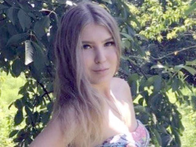 Nga: Nữ cảnh sát xinh đẹp tự sát khi bị ép làm việc với kẻ cưỡng hiếp mình