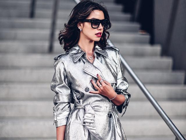 """Blogger thời trang bày cách """"thuần phục"""" trang phục ánh kim"""