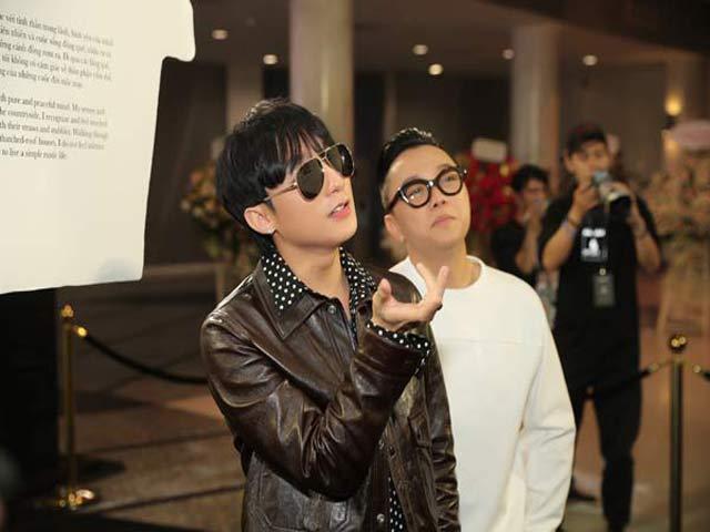 Sơn Tùng M-TP gây ấn tượng với phong cách đẳng cấp dự triển lãm thời trang