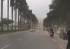 Clip: Hà Nội xuất hiện lốc xoáy bất thường, người đi đường hốt hoảng tìm chỗ trú ẩn
