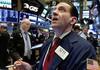 """Vì sao FED cắt giảm lãi suất nhưng chứng khoán Mỹ vẫn """"đi ngang""""?"""