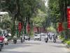 Ảnh: Đường phố Hà Nội trang hoàng rực rỡ trước ngày bầu cử