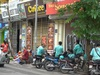Hà Nội xử phạt người không đeo khẩu trang hơn 3 tỷ đồng chỉ trong 10 ngày