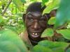 """""""Người rừng"""" 22 tuổi thích ăn chuối, một tuần chạy trong rừng sâu 230 km và không thể giao tiếp"""