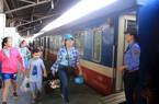 Ga Sài Gòn bán 5.000 vé tàu giảm nửa giá dịp cuối năm