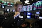 """Đàm phán Mỹ Trung bất lợi, Dow Jones """"bốc hơi"""" 140 điểm"""