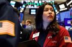 Dow Jones bay 350 điểm khi Mỹ công bố tín hiệu yếu trên thị trường lao động