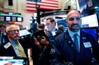 Bộ Lao động công bố tỷ lệ thất nghiệp thấp nhất trong 50 năm, Dow Jones leo dốc 330 điểm