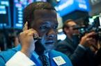 Chứng khoán Mỹ hôm nay: Dow Jones tụt mạnh, Nasdaq ngược dòng tăng