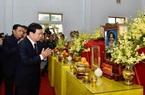 Phó Thủ tướng Trịnh Đình Dũng viếng 13 liệt sĩ hy sinh tại thủy điện Rào Trăng 3