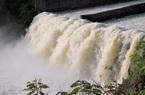 Hà Tĩnh:  Các hồ chứa lớn, thủy điện đồng loạt xả tràn