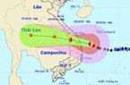Bão số 9 giật cấp 15 chỉ còn cách Quảng Ngãi 60 km, mưa rất to ở miền Trung