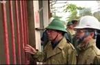 Clip: Phó Thủ tướng Trịnh Đình Dũng gõ cửa tận nhà người dân để kiểm tra an toàn trước bão số 9