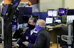 Dow Jones tăng 112 điểm khi Mỹ công bố dữ liệu tiêu dùng khởi sắc