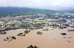 Nhà dân ở Bình Định chìm trong nước lũ, giao thông chia cắt, cuộc sống người dân đảo lộn