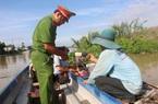 Đồng Tháp: Đánh bắt kiểu tận diệt cá tôm, chỉ đi 1 buổi trên sông đã thấy đáng báo động