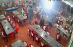 CLIP: Nhóm thanh thiếu niên hung hăng vào 2 quán ăn đập phá tài sản