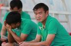 """Than Quảng Ninh """"hết tiền"""", HLV Phan Thanh Hùng thừa nhận điều cay đắng"""