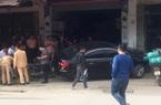 Nóng: Tài xế ôtô không bằng lái tông chết thảm 2 cha con