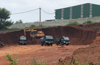 """Ai cho phép vận chuyển đất """"ồ ạt"""" ra khỏi Cụm Công nghiệp Diên Phú?"""