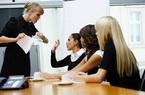 Bị sếp chửi mắng, NLĐ có thể nghỉ việc luôn mà vẫn được thanh toán tiền lương