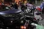 Quảng Ngãi: Xử lý nữ tài xế ô tô kéo lê xe máy chở bà bầu hơn 500m