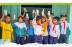 """""""Cặp lá yêu thương"""" – Vinamilk nâng bước học trò nghèo cả nước"""