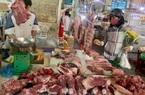 """Giá heo hơi hôm nay 26/3: Thịt lợn bày bán nhiều, vẫn neo giá cao """"bất hợp lý"""""""