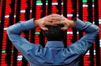 VN-Index giảm mạnh nhất 18 năm, hàng loạt cổ phiếu lớn giảm sàn