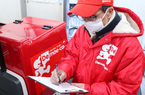 Nhu cầu mua thực phẩm online tăng mạnh, doanh nghiệp Nhật Bản tranh giành tài xế giao hàng