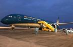Chuyến bay đầu tiên từ Nga đón 345 người Việt hạ cánh xuống sân bay Vân Đồn