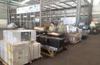 """Bắt lô hàng lậu """"khủng"""" gần 2.000 sản phẩm tại sân bay Nội Bài"""