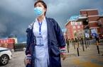 Một phụ nữ đi thang máy 60 giây khiến 71 người TQ nhiễm Covid-19