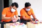 FPT trao tặng dụng cụ bảo hộ y tế phòng chống Covid-19 cho bác sỹ tuyến đầu tại Đà Nẵng