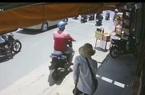 Người đàn ông đi xe tay ga vờ mua rồi cướp hết vé số của người tàn tật