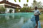 Resort hạng sang biến bể bơi thành hồ nuôi cá