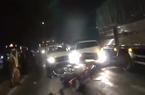 TP.HCM: Chở thuốc lá lậu, tài xế ô tô tông ngã xe cảnh sát, tháo chạy như phim hành động