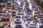 Bến xe đông nghẹt, đường phố tắc nghẽn ngày người dân trở lại Hà Nội