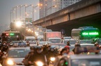 Người dân trở lại Hà Nội, TP.HCM sau kỳ nghỉ Tết Dương lịch, nhiều tuyến đường cửa ngõ ùn tắc