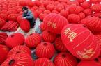 """Chiêm ngưỡng những chiếc đèn lồng """"siêu to khổng lồ"""" lung linh sắc màu ở Trung Quốc"""
