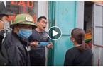 Video: Chủ quán phở ở Hạ Long giật phăng khẩu trang, hùng hổ ngăn cán bộ y tế phun khử trùng