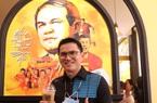 Zico Thái ngẫu hứng đàn hát bên ly cà phê của Bầu Đức