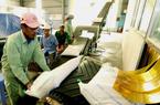 Việt Nam lần đầu tiên mua gạo của Ấn Độ để làm gì?