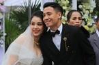Vợ Bùi Tiến Dũng khoe vai trần trong ngày cưới dưới giá lạnh 8 độ C