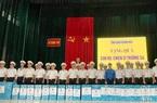 Khánh Hòa: Tặng 2 nghìn lá cờ Tổ quốc và 42 phần quà cho cán bộ, chiến sĩ Trường Sa