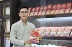 Từ phát miễn phí, chàng trai này xuất khẩu bún dưa hấu, bánh tráng... đi 42 nước, bán chạy số 1 Amazon