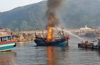 Hàng trăm người dập đám cháy lớn sáng mùng 3 Tết, ước tính thiệt hại hàng chục tỷ đồng