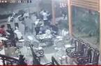 Gần 20 thanh niên vác dao lao vào nhà dân, chém 2 người bị thương
